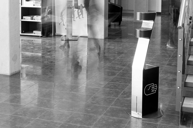Berøringsfri håndsprit dispenser i reception